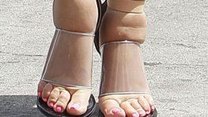 Компрессионное приспособление при отеках ног