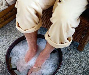 Ванночки для ног – простой и эффективный метод борьбы с запахом