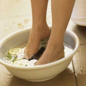 Что делать если между пальцами ног мозоль. Лечение межпальцевой мозоли на ногах народными средствами в домашних условиях