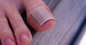 Что делать если отслаивается ноготь на ноге