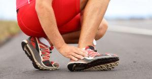 Слишком интенсивные физические нагрузки – одна из причин подошвенного фасциита