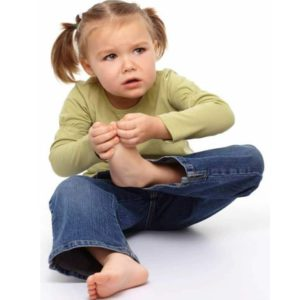 Ребенок обеспокоен появлением бородавки на ноге