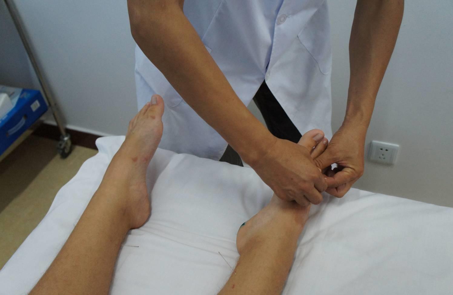 Воспаление плюснефаланговых суставов стоп как вылечить связки на руке в локтевом суставе