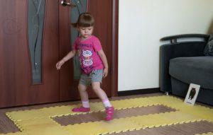 Гимнастика для стоп ребенка
