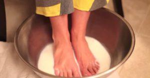 Ванночка для ног с молоком