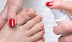 Обработка ногтей спреем