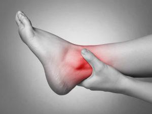Сильная боль в области перелома лодыжки
