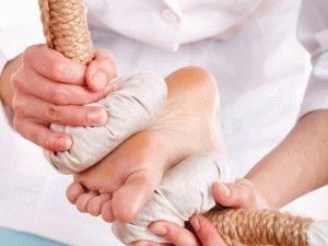Сухой солевой компресс на ногу