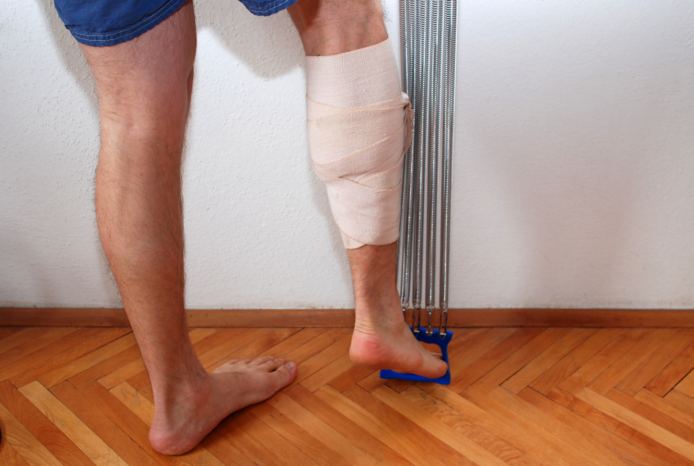 Растяжение мышц голени: симптомы и лечение в домашних условиях