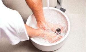 Солевые ванночки для уменьшения отеков ног