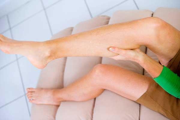 Судороги икроножных мышц ночью что делать и как лечить