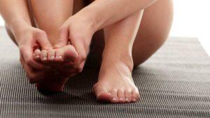 Плоскостопие - одна из причин артрита голеностопа