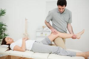 Сводит икроножные мышцы что делать