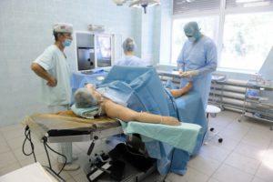 Беспокоит трещина в голеностопе: причины, первые симптомы, лечение