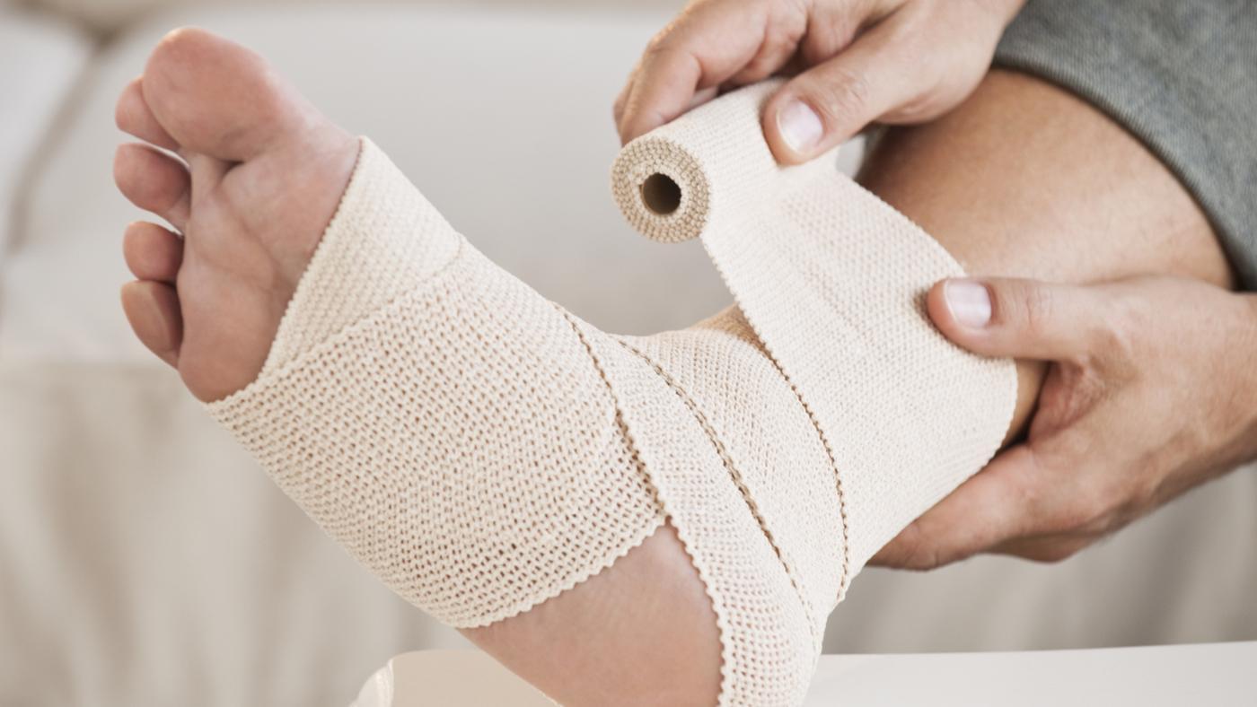 Растяжение связок икроножной мышцы: симптомы и лечение