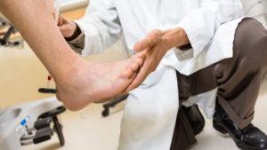 Воспаление большеберцового нерва симптомы. Невропатия большеберцового нерва. Причины невропатии большеберцового нерва
