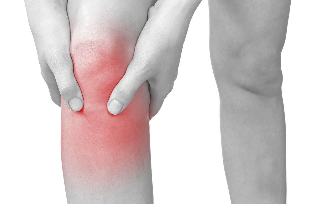 Почему при артрите опухает колено фото