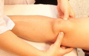 Массаж для лечения артрита коленного сустава