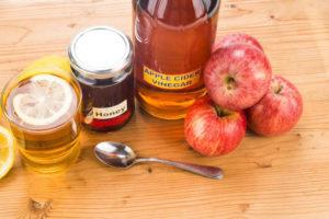 Яблочный уксус и мед для компрессов
