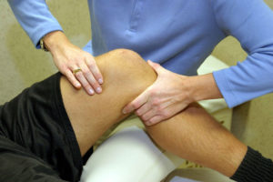 Массаж при гонартрозе колена