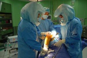 Реабилитация после эндопротезирования коленного сустава. Восстановление и упражнения в домашних условиях после операции