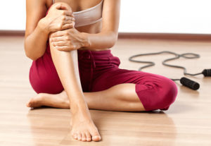 Боли в коленях правильное лечение традиционными и народными методами