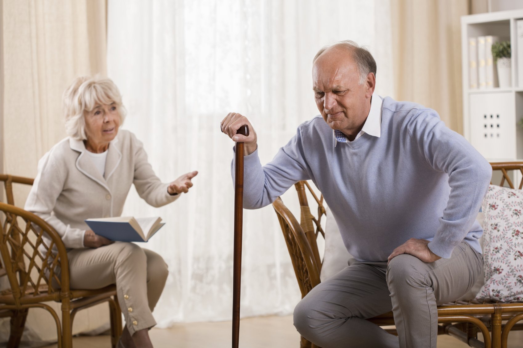 Причины и средства от боли в коленях у пожилых людей