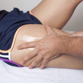 Почему болит бедро сбоку в области сустава при ходьбе или ночью