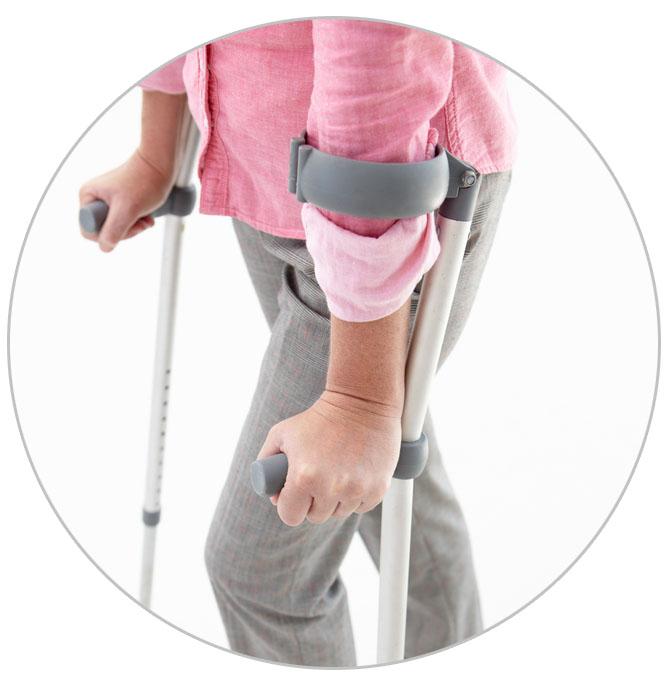 Сколько надо ходить на костылях после замены тазобедренного сустава