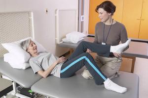 Перелом шейки бедра со смещением реабилитация после операции