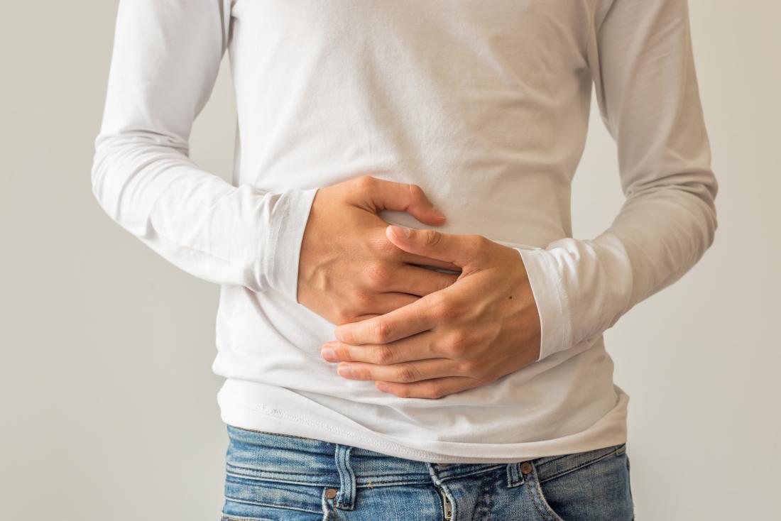 Тяжесть и вздутие в животе у женщин: причины, тревожные симптомы, диагностика и профилактика