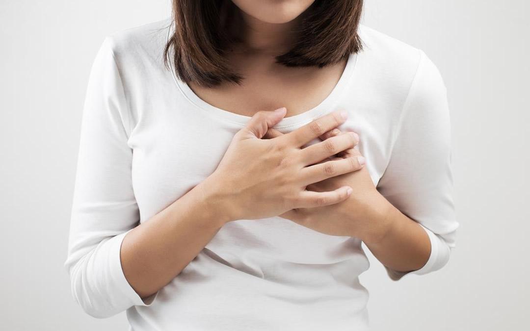 Киста грудной железы опасно ли