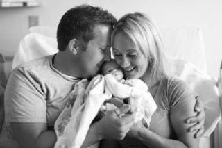 Как расцедить грудь после родов