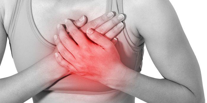Жжение в грудной клетке - причины появления симптома при заболеваниях сердца, желудка или легких