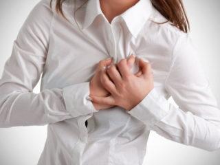 Что делать, если защемило в грудной клетке справа или посередине