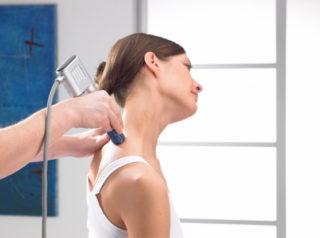 Горб на спине: причины роста, лечение, фото