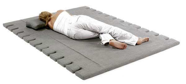Сон на жесткой поверхности