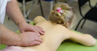 Правильный детский и взрослый массаж спины при сколиозе