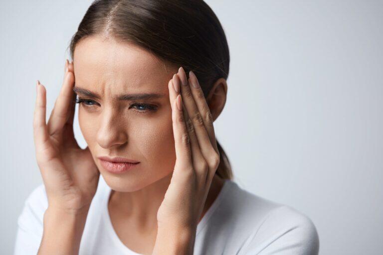Головная боль при высоком и низком давлении | Мотрин®