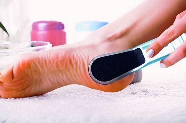 Перекись водорода для пяток: рецепты ванночек для лечения в домашних условиях